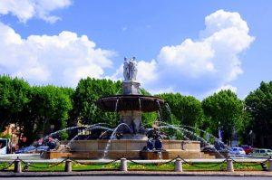 Fontaine-de-la-Rotonde-Aix-en-Provence-1200x797